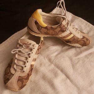 Coach Sneakers Tan Size 6